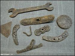 oggetti di ferraglia (B-19)