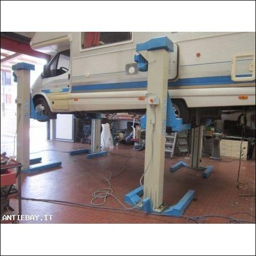 Ponte sollevatore OMCN a 4 colonne indipendenti 3000 kg