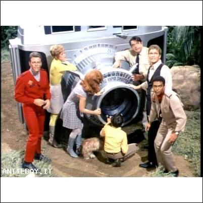 La Terra dei giganti telefilm anni 60 completo