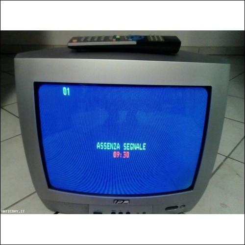TV COLOR CON TELECOMANDO